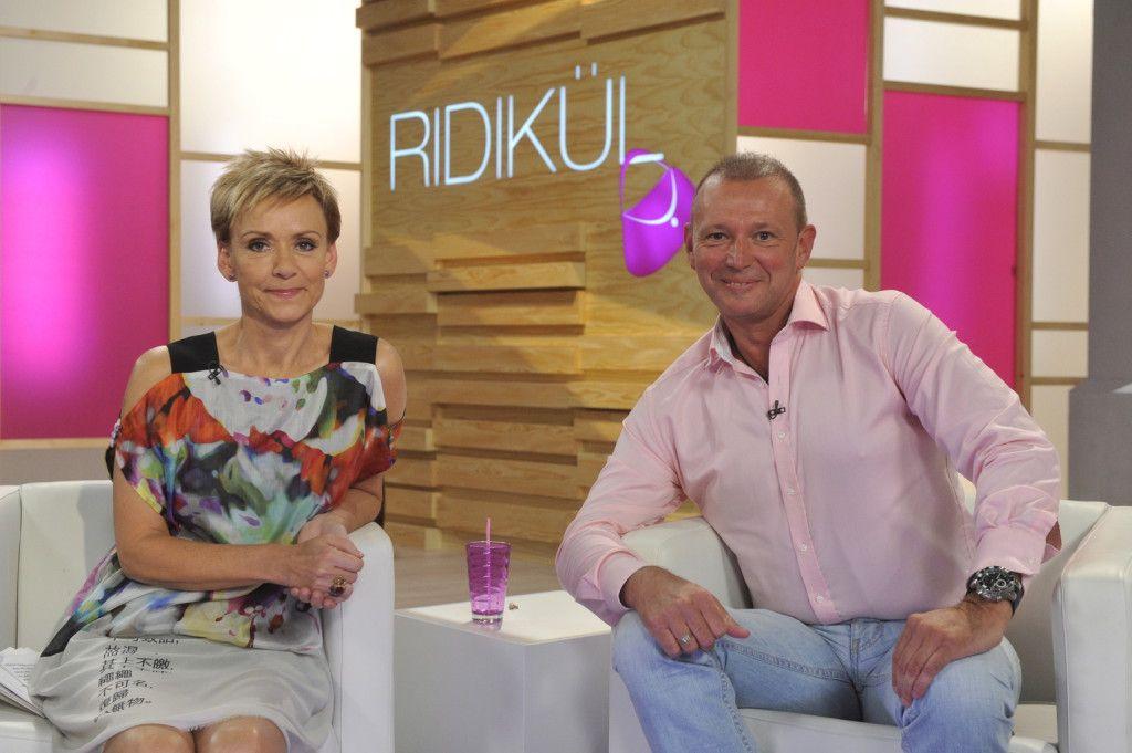 Jakupcsek Gabriella és Győrfi Pál, az országos Mentőszolgálat szóvivője a Ridikül felvételén