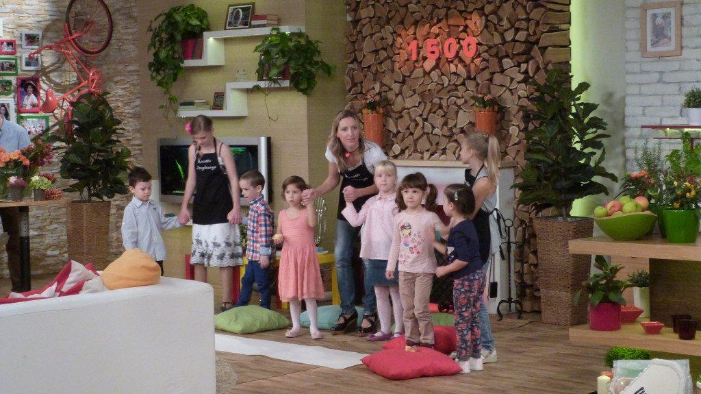 """Gyergyai Kriszta """"Kreatív Anyabanya"""" és legkisebb vendégeink a Család-barát 1500. adásában"""