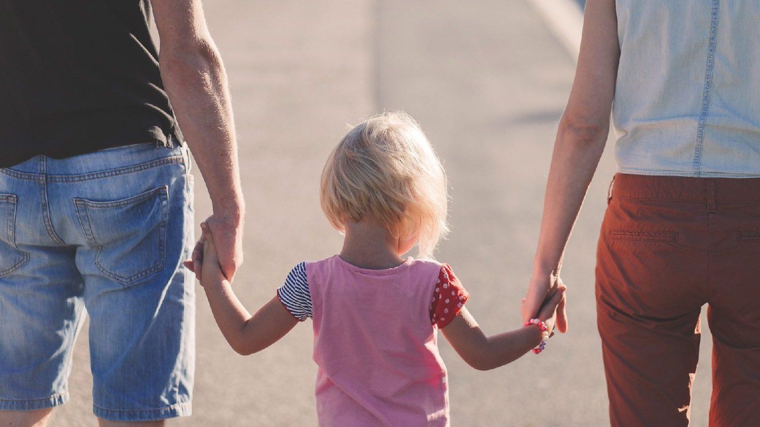 Vasárnapi újság: Nevelőszülői hálózat