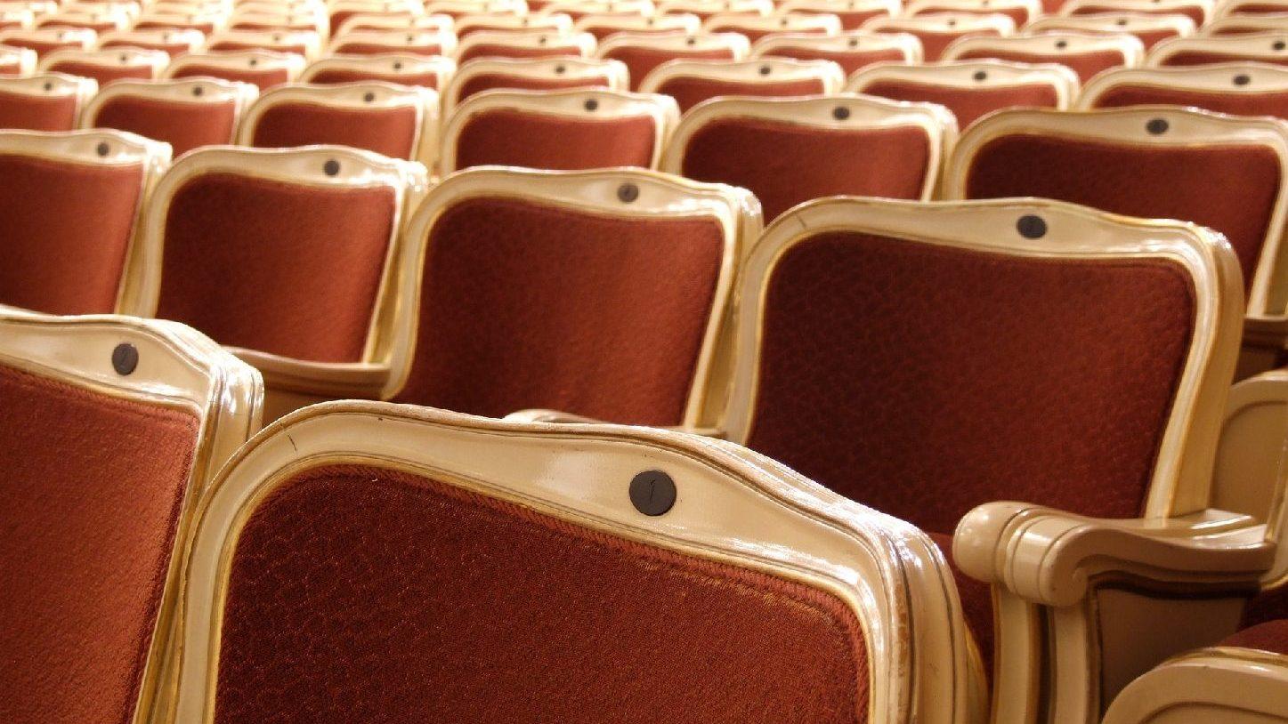 Kalendárium: Öt új bemutatóval készül a Kolibri Színház