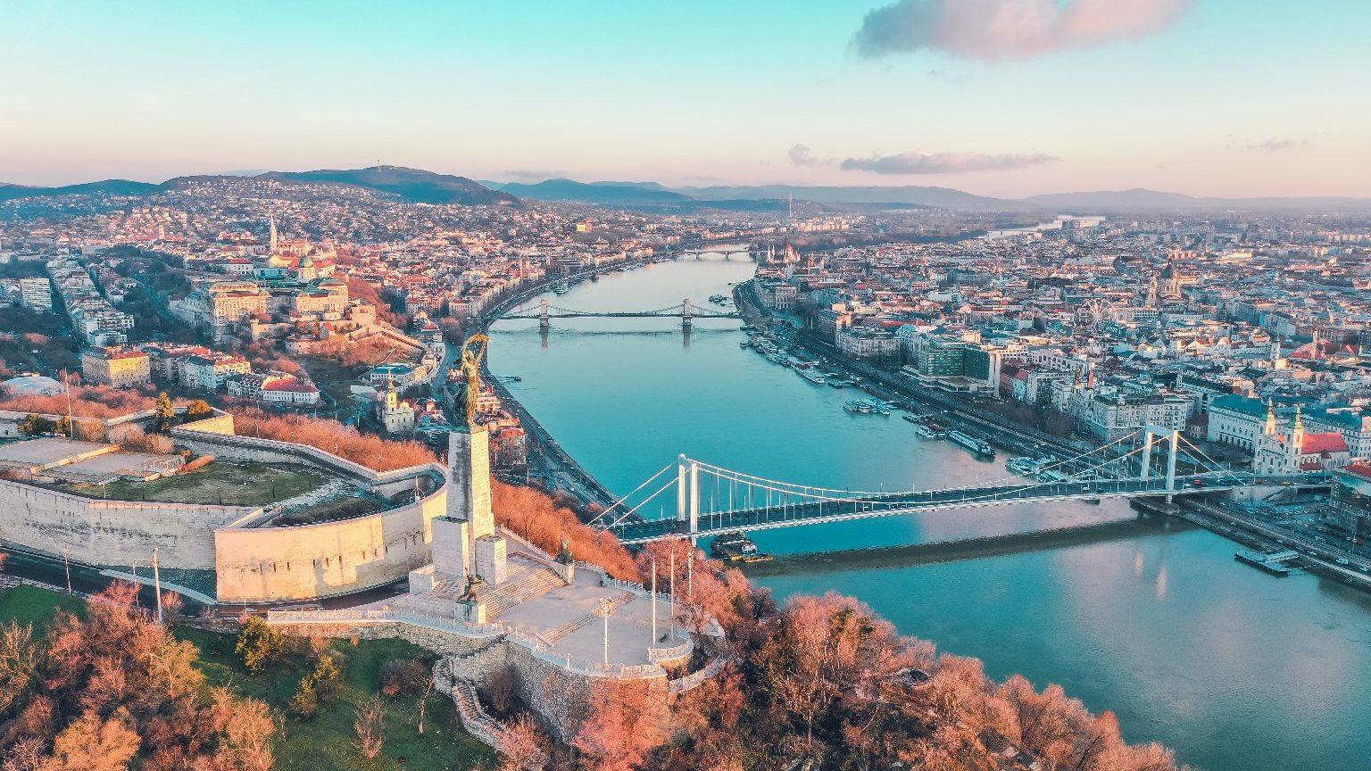Vasárnapi újság: Magyarország ellen elfogadott határozat